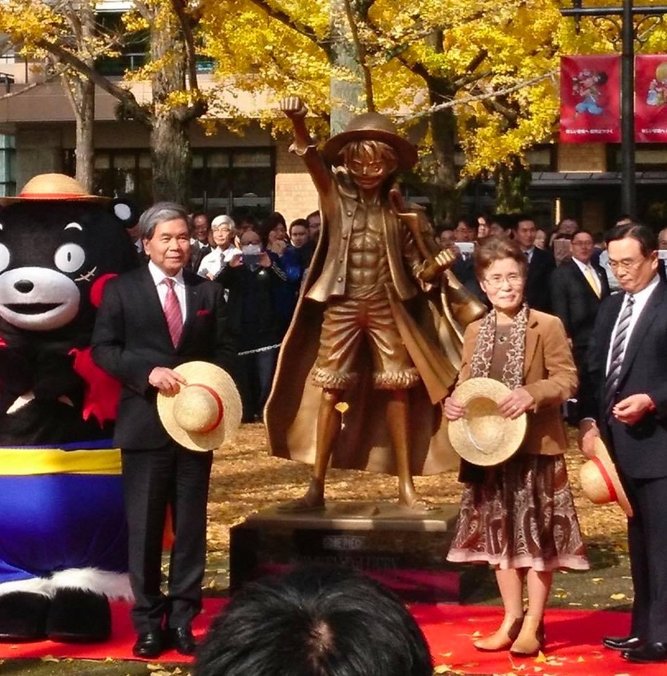 Luffy statue sat op i Kumamoto