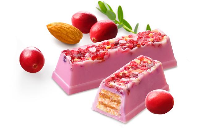 KitKat chokolade med ruby chokolade, nødder og bær