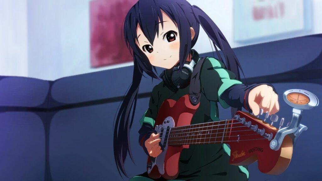 4. Azusa Nakano (K-ON!)